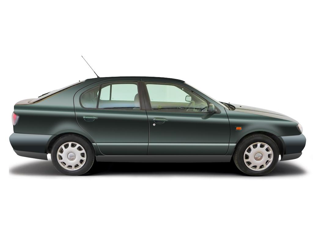 Checking brake fluid Nissan Primera 1990 - 1999 Petrol 1.8 16v