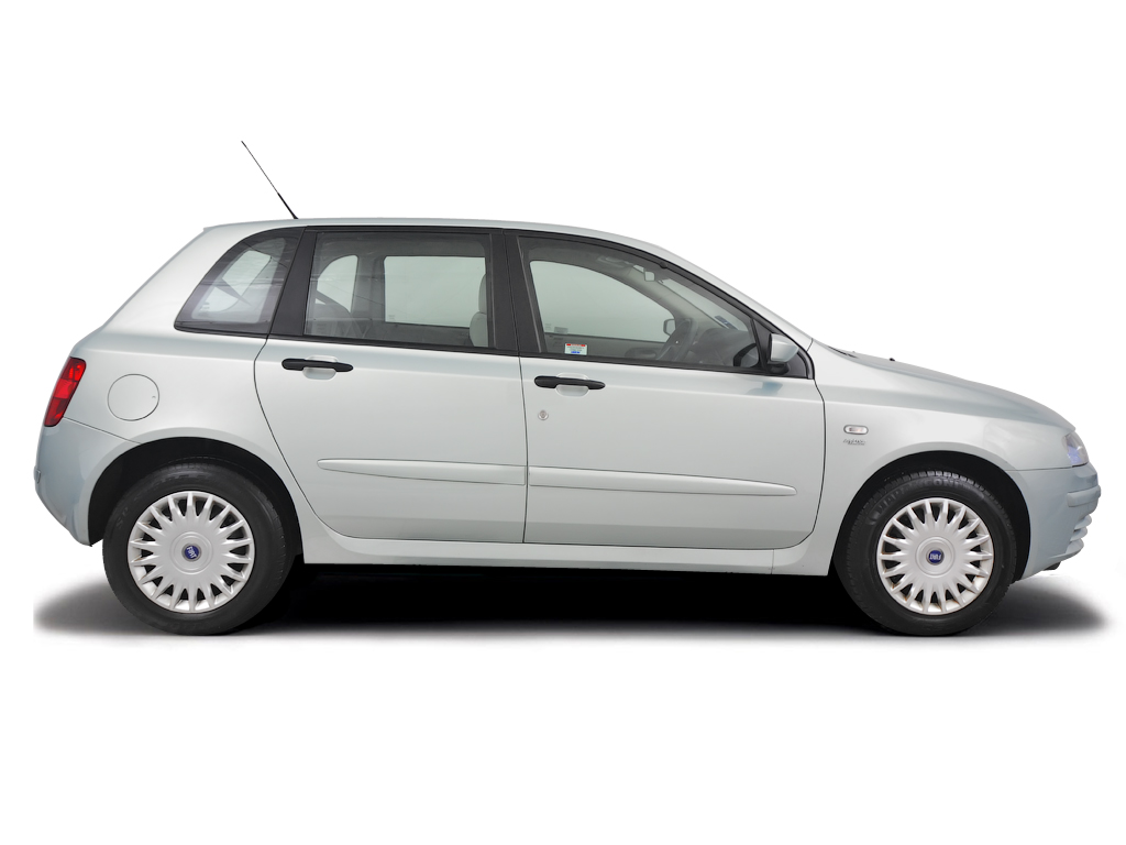 Checking tyre condition Fiat Stilo 2004 - 2006 Petrol 1.4 16v