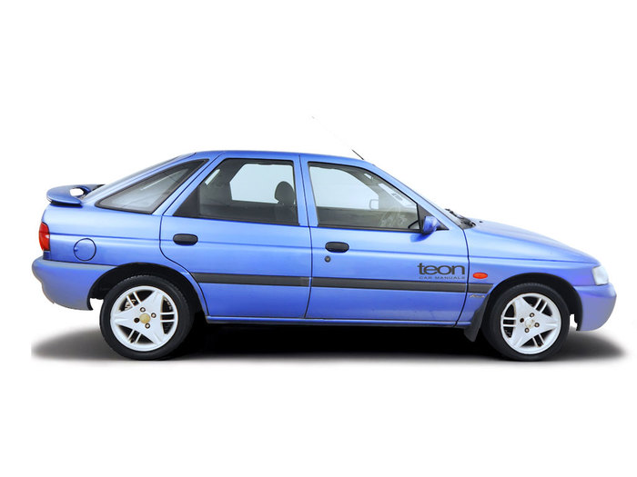 Checking coolant level Ford Escort 1990 - 2000 Petrol 1.6i