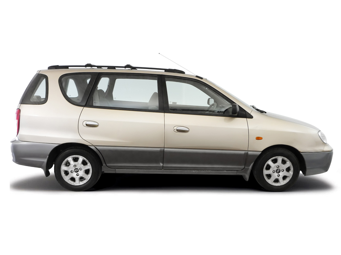 Checking tyre pressures Kia Carens 1999 - 2002 Petrol 1.8