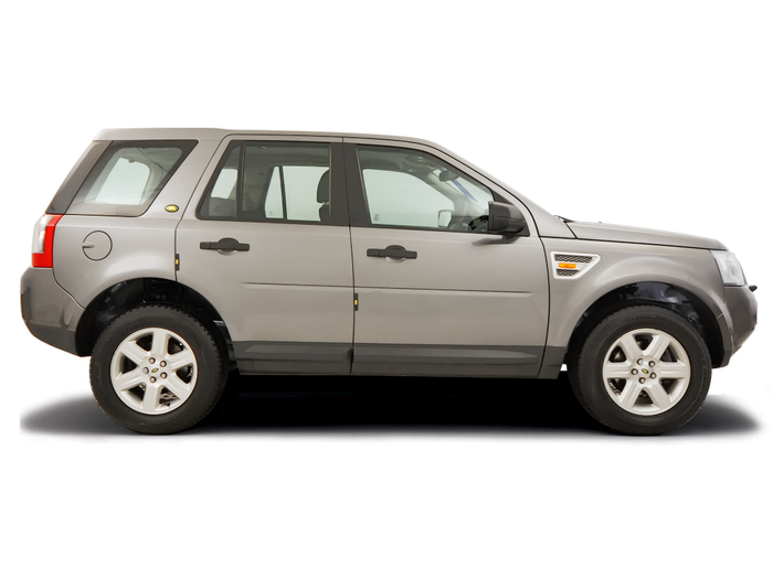 Checking tyre condition Land Rover Freelander 2006 - 2014 Diesel 2.2 TD4