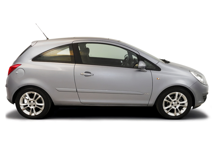 Checking tyre condition Opel Corsa 2006 - 2010 Petrol 1.2 16v
