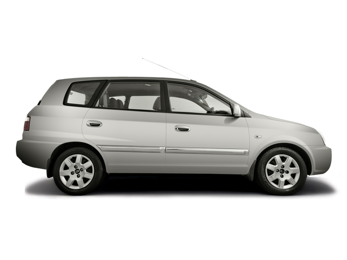 Checking tyre condition Kia Carens 2002 - 2006 Diesel 2.0 CDRi