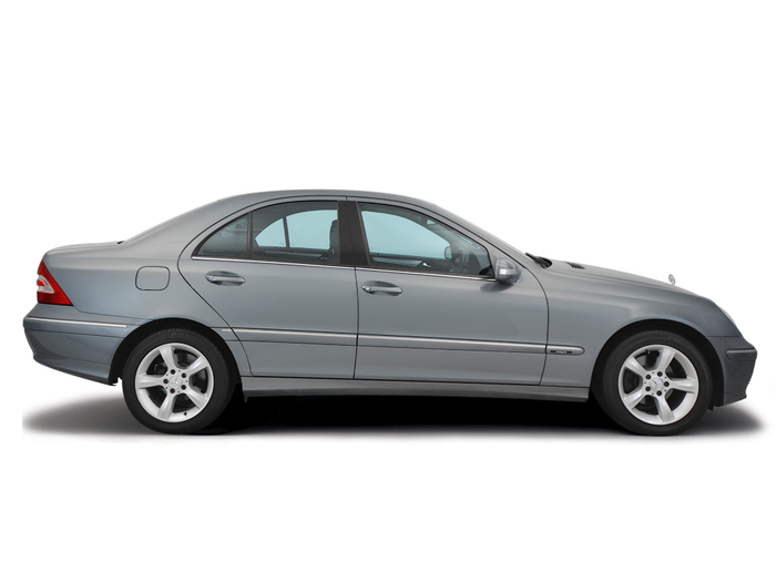 Checking tyre pressures Mercedes-Benz C-Class 2000 - 2007 Petrol C200 - 2.3 Kompressor