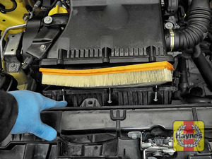 Illustration of step: Carefully remove the air filter for inspection - step 4
