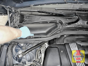 Illustration of step: The brake fluid reservoir is located under pollen filter box - step 6