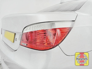 Illustration of step: Check rear light cluster, brakelights, foglights and indicators - step 3