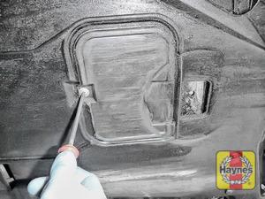 Illustration of step: Undo the retaining fixing - step 3