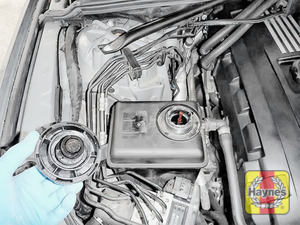 Illustration of step: ONLY WHEN COLD - Undo the cap to check the coolant level - step 3