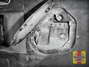 Illustration of step: Do not over tighten - close sump access cover - step 8