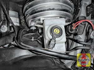 Illustration of step: Now securely replace and tighten cap - replace the pollen filter assembly - step 6