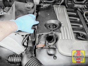 Illustration of step: Carefully lift the air filter cover - step 10
