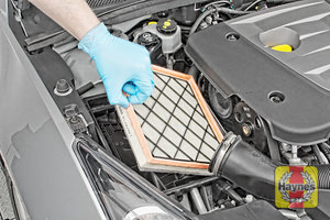 Illustration of step:  Now you can lift out the air filter - step 8