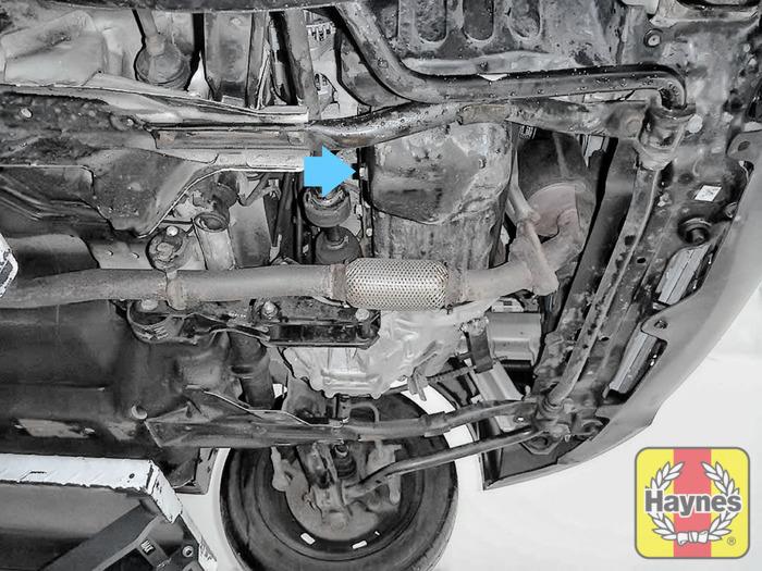 chevrolet matiz 2005 2011 1 0 995cc oil change haynes rh haynes com 1996 BMW 318I Transmission Filter BMW Oil Filter Housing
