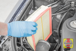 Illustration of step:  Now you can lift out the air filter - step 11