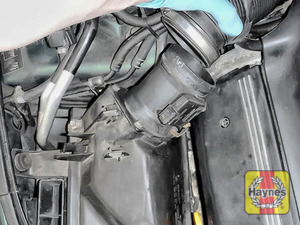 Illustration of step: Release the air intake - step 5