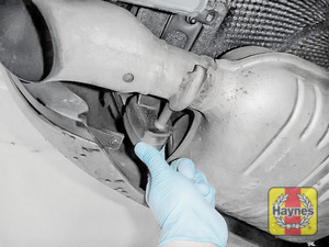 Illustration of step: Check rubber exhaust mountings - step 14