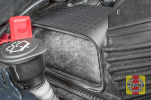 Illustration of step: Have a look at the air filter condition, this one is OK - step 8