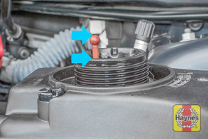 Illustration of step: ONLY WHEN COLD! - Undo the cap, look at the float position to determine coolant level - step 3