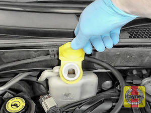 Illustration of step: ONLY WHEN COLD! - if required, undo the cap to add more coolant - step 3