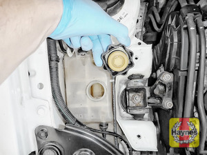 Illustration of step: ONLY WHEN COLD - If required, undo the cap to add more coolant - step 3