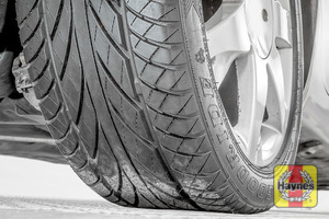 Illustration of step: Take a quick look at the tyre treads and sidewall condition - step 3