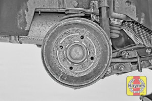 Illustration of step: This model has drum brakes, we do not recommend you remove the drum - step 9