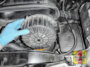 Illustration of step: Carefully lift away the air filter body cover - step 3