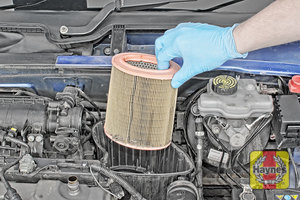 Illustration of step:  Now you can lift out the air filter - step 10