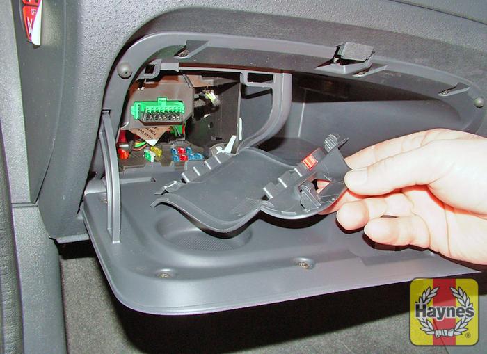 citroen saxo 1996 2004 1 1 fusebox and diagnostic socket rh haynes com