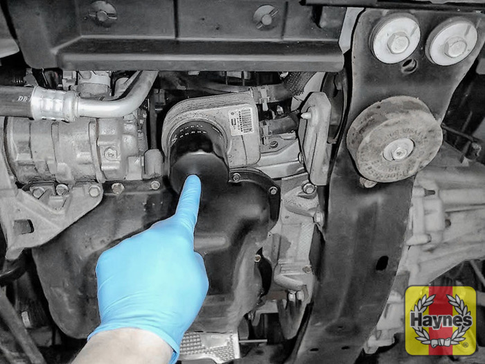 Dodge Journey 2008 2017 24 Oil Filter Change Haynes Publishingrhhaynes: 2014 Dodge Ram 1500 Oil Filter Location At Gmaili.net