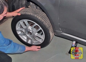 Illustration of step:  Unscrew the wheel bolts, and remove the wheel - Changing the wheel - step 7