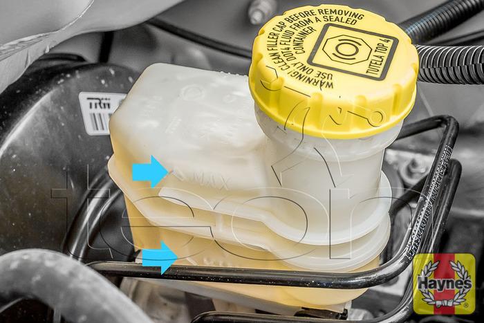 Fiat Panda  2004 - 2012  1 2 - Checking Brake Fluid