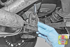 Illustration of step: Check rubber exhaust mountings for general condition - step 10
