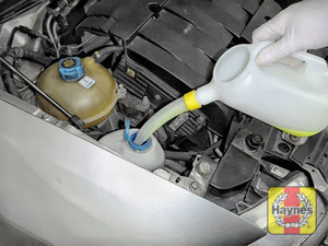 Illustration of step: Top up with screen wash and replace cap securely - step 1