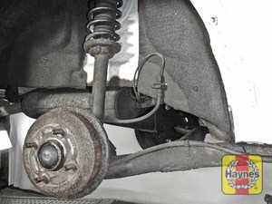Illustration of step: Take a good look around brake system and the suspension arm, check for any leaks - step 14