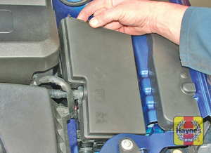 Illustration of step: Additional fuses are located on the left-hand side of the engine compartment - step 4