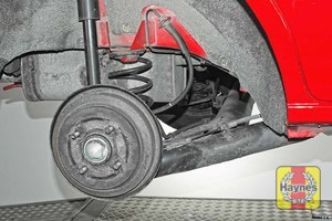 Illustration of step: Take a good look around brake system and the suspension arm, check for any leaks - step 10