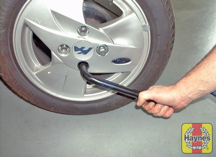 Illustration Of Step On Models Where The Wheel Nuts Are Not Visible Use The