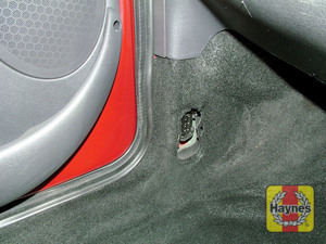 Illustration of step: The diagnostic socket is located at the base of the passenger's door pillar - step 2