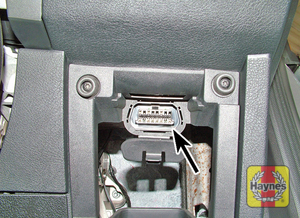 Illustration of step: The diagnostic socket is located under the driver's side of the fascia - step 2