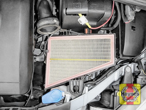 Illustration of step: Air filter in position - step 8