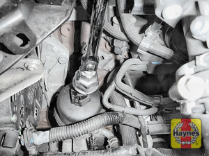 Illustration of step: Fit a 27mm filter wrench socket securely onto the oil filter housing - step 5