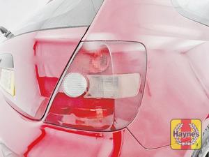 Illustration of step: Check rear light cluster: brake, fog and indicators - step 2