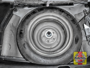 Illustration of step: Finally, check the condition of the spare wheel / emergency tyre repair system - step 16