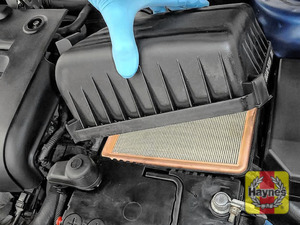 Illustration of step: Carefully lift away the air filter body - step 3
