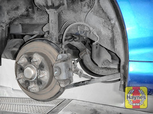 Illustration of step: Take a good look around the brake system and the suspension arm, and check for any leaks - step 13