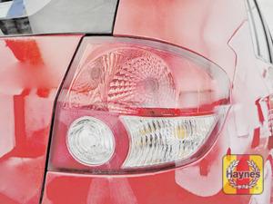 Illustration of step: Check the rear light cluster: brake, fog and indicators - step 2