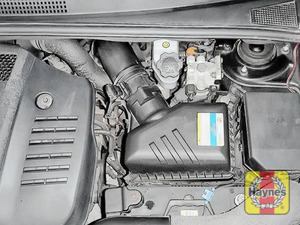 Illustration of step: Reassemble the air filter housing  - step 7