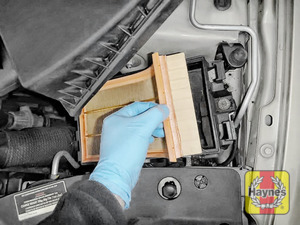 Illustration of step:  Lift out the air filter - step 6